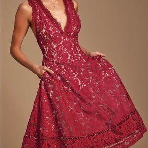 Lulu's Dress Medium Burgundy